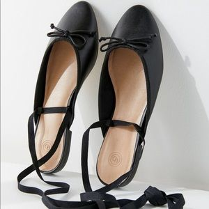 Urban Outfitters┃Black Ballet Mule Flats